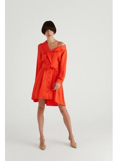 Rue Asimetrik Omuzlu Kuşaklı Elbise Kırmızı